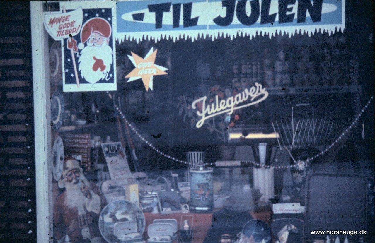 Juleudstilling i den lille butik i 1960´erne